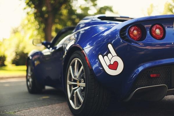 Car magnet on a blue car